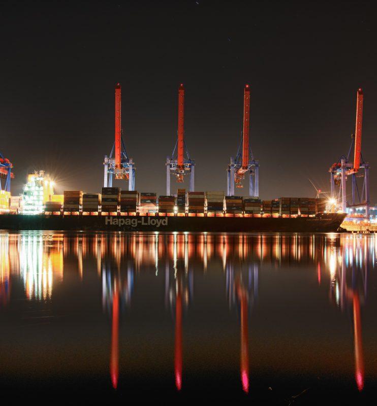eight-red-steel-cranes-799096